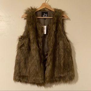 Say What Brown Faux Fur Vest Clasp-Close Large